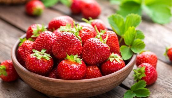 日本利用ICT技術栽培溫泉草莓